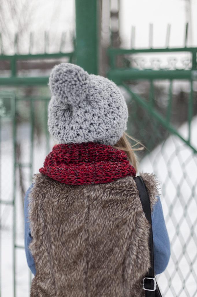 czapka i szalik zima kamizelka dziewczyna