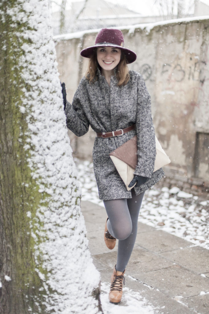 smile girl winter fashion