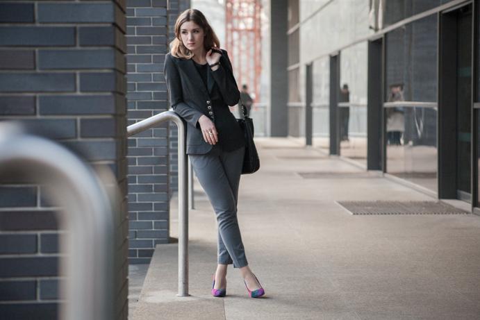 kobieta w pracy jak się ubrać