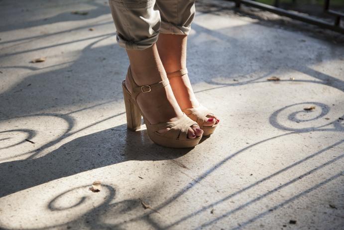 Idealne, klasyczne sandały nude