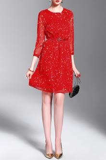 sukienka-czerwień-wesele-kobieta