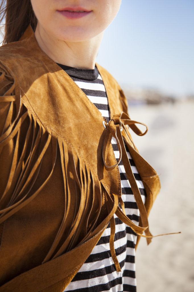 moda-trend-frędzle-paski-detal