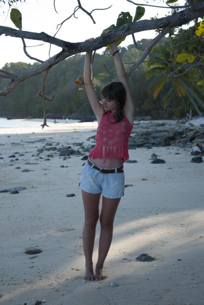 boho-girl-beach-paradise