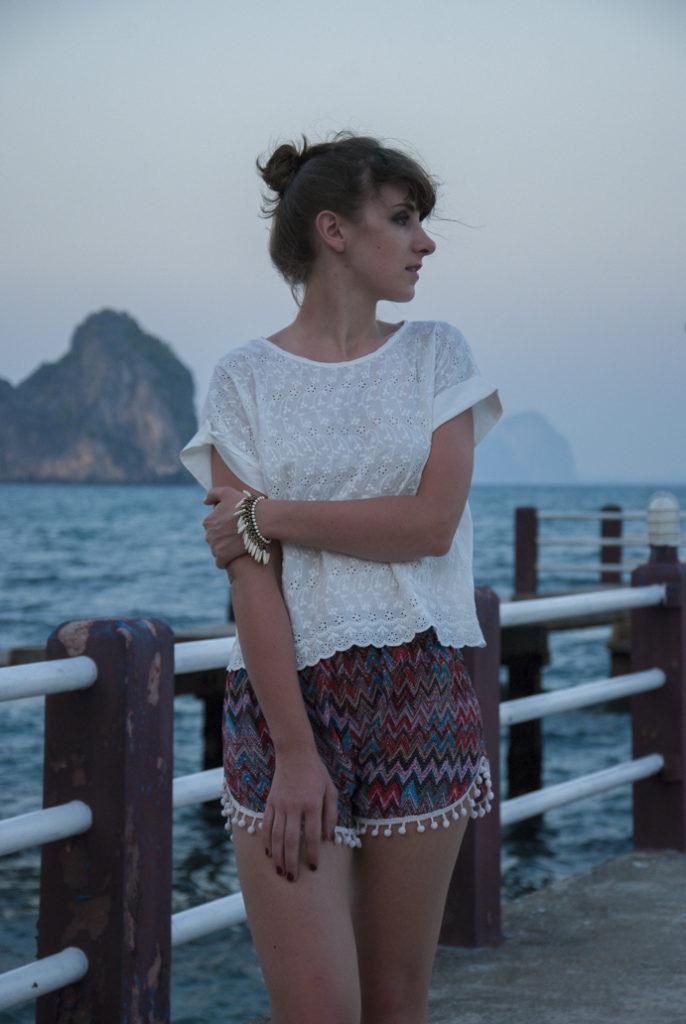 Thailand-girl-happy-style