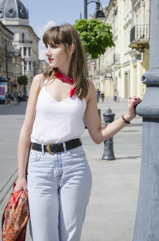 mom-jeans-apaszka-belt