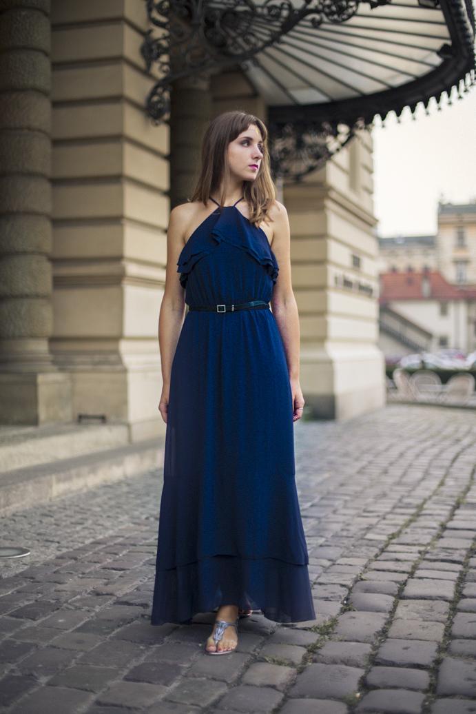 dress woman style elegant