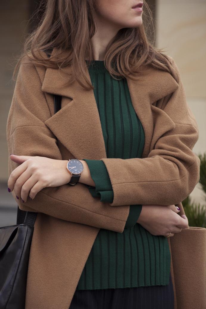 luksusowy zegarek akcesoria płaszcz wełniany
