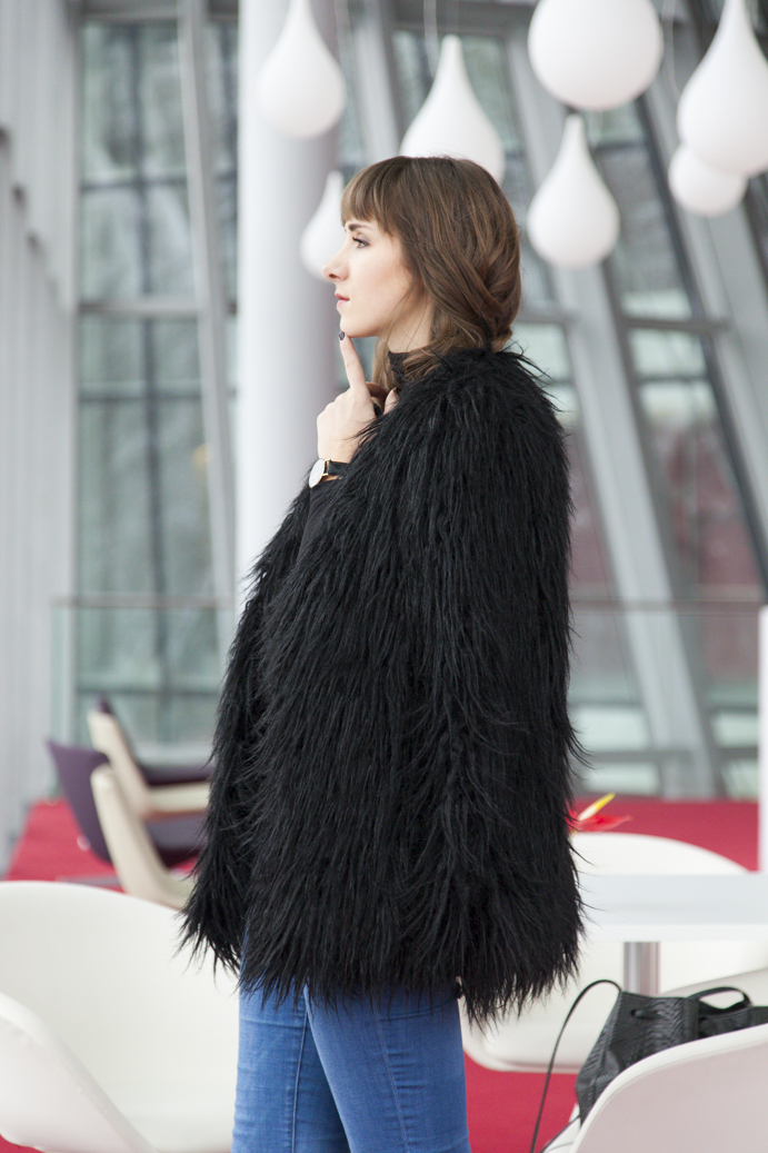 Perfect faux fur coat