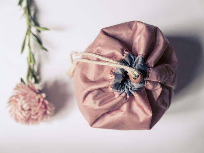 różowa kosmetyczka