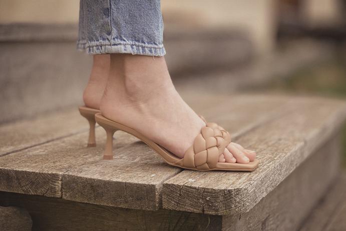 Stradivarius sandals
